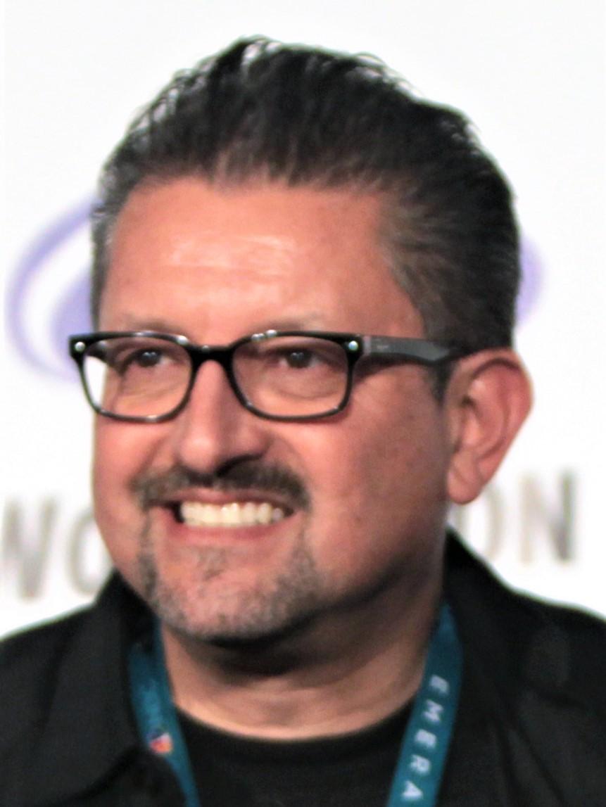 Lalo Alcaraz - Wikipedia