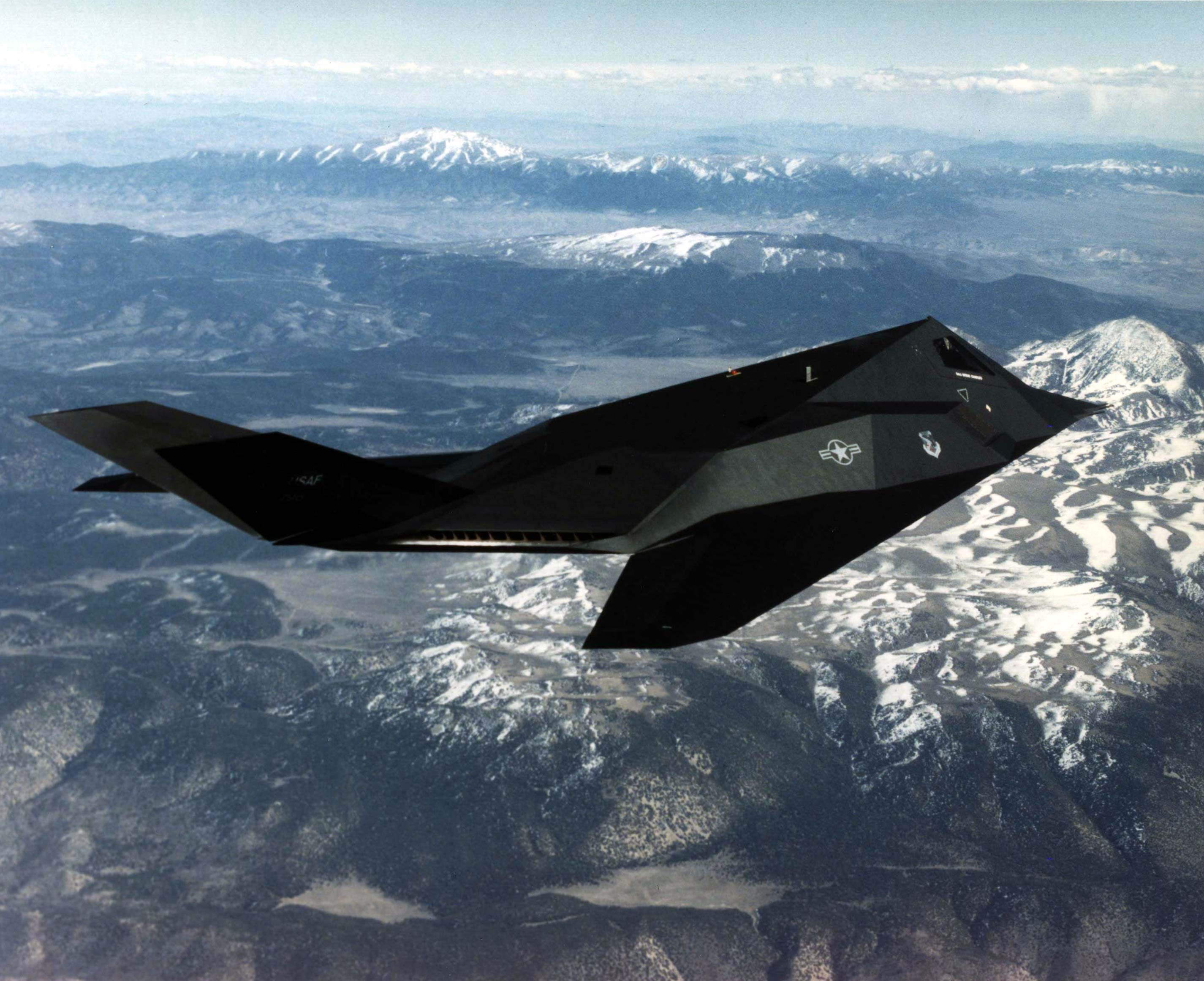 File:Lockheed F-117A Nighthawk Persian Gulf 1996.jpg ...