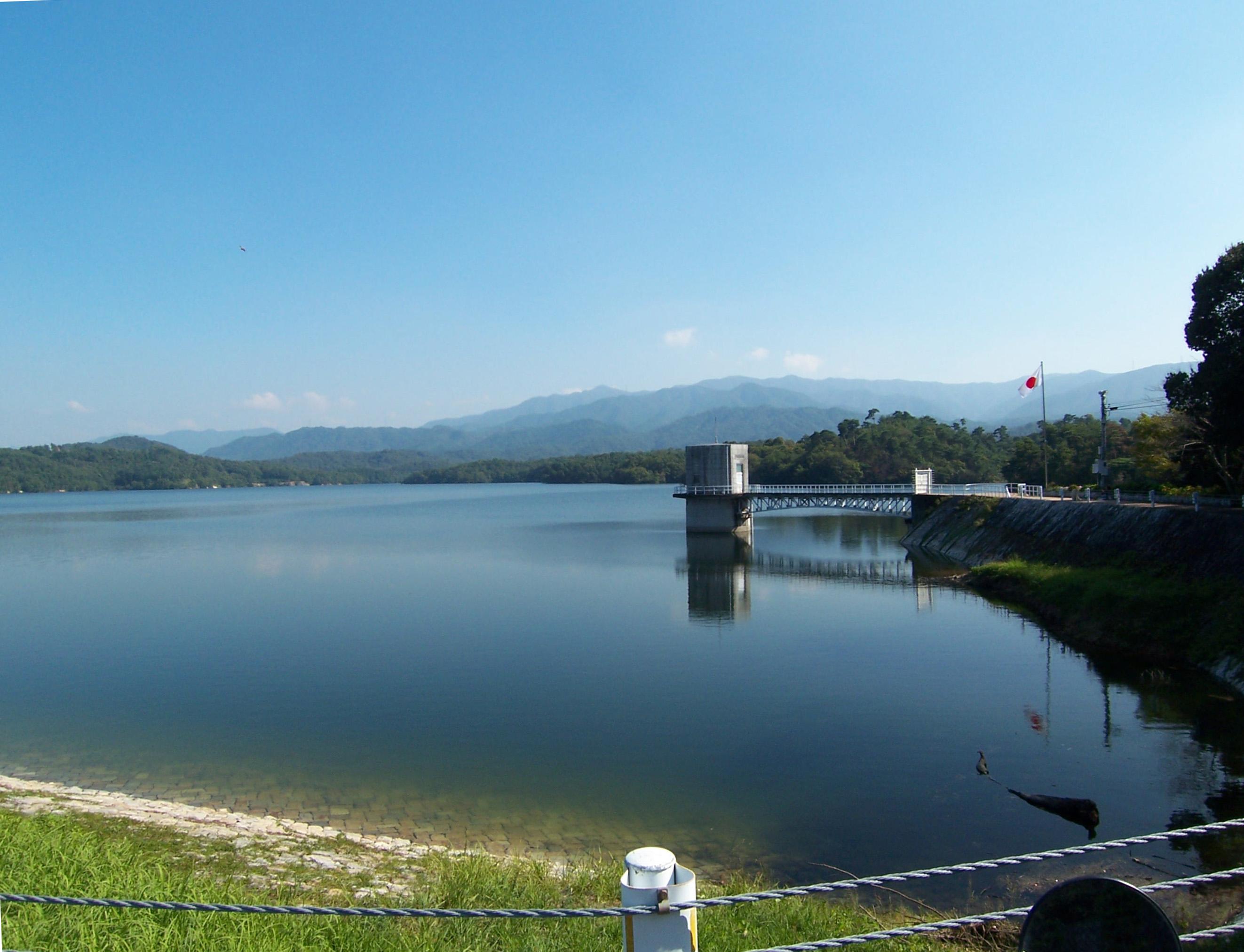 Mannou-ike reservoir.jpg