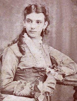 """21 de abril de 1877: ¡Yo sé que murió de amor!  José Martí conoce a la """"Niña de Guatemala"""""""