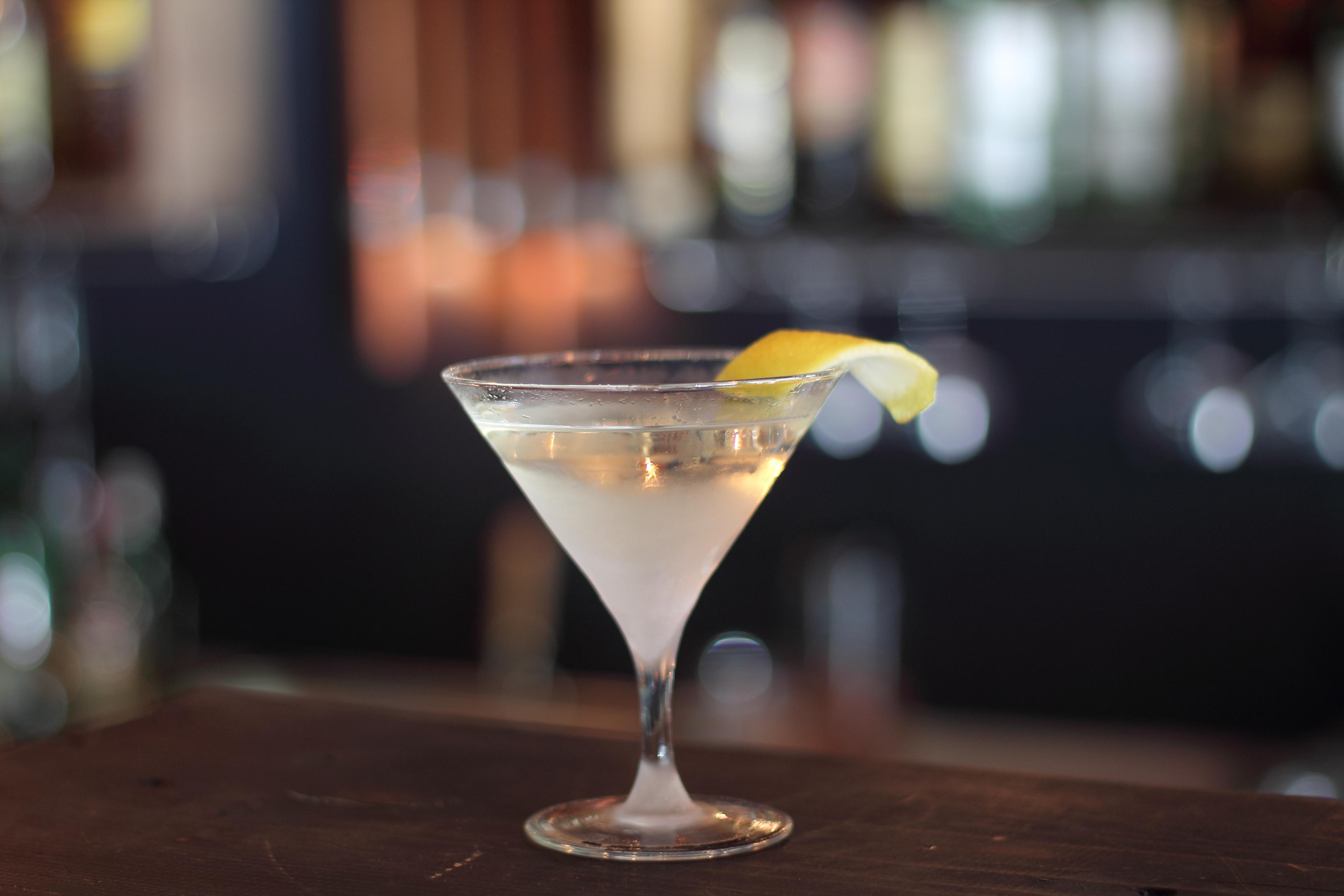 Bianco richtig servieren martini Martini Royale