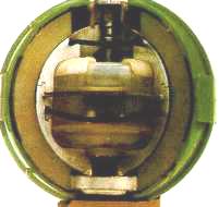 Bom E120, Salah Satu Senjata Biologi Yang Berisi 0.1 Kg Agen Biologi Cair Dan Dikembangkan Pada Tahun 1960-An.