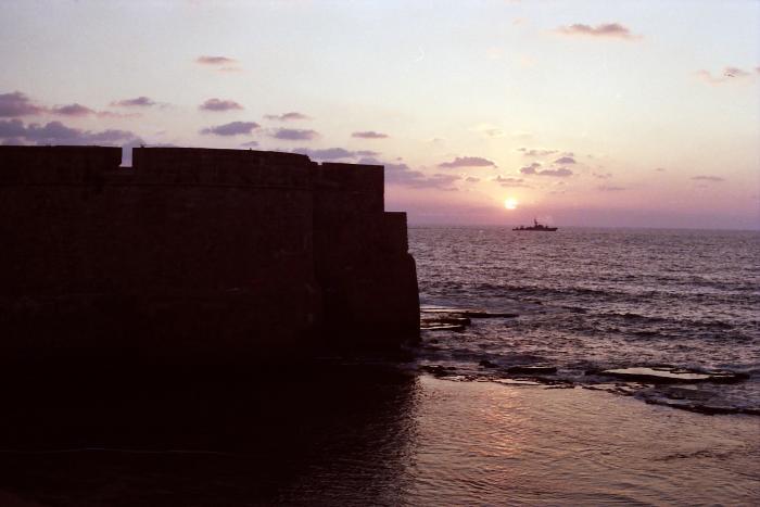 ים וחומות עכו