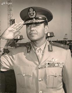 Saad el-Shazly saluting.jpg