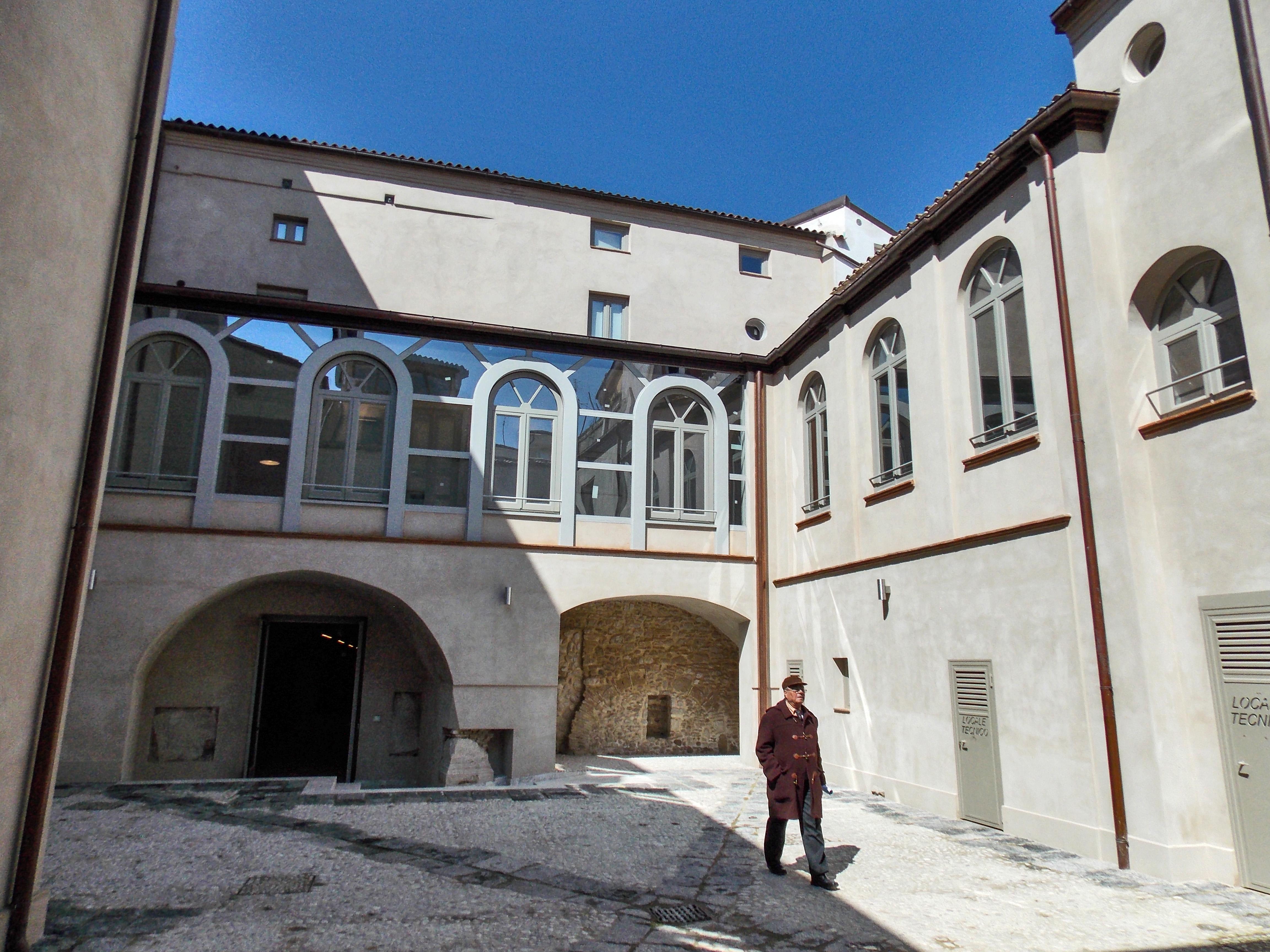 File:San Vittorino (Benevento) 07.jpg - Wikimedia Commons