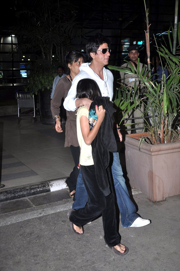 File:Shahrukh Khan with his daughter(5).jpg - Wikimedia ...