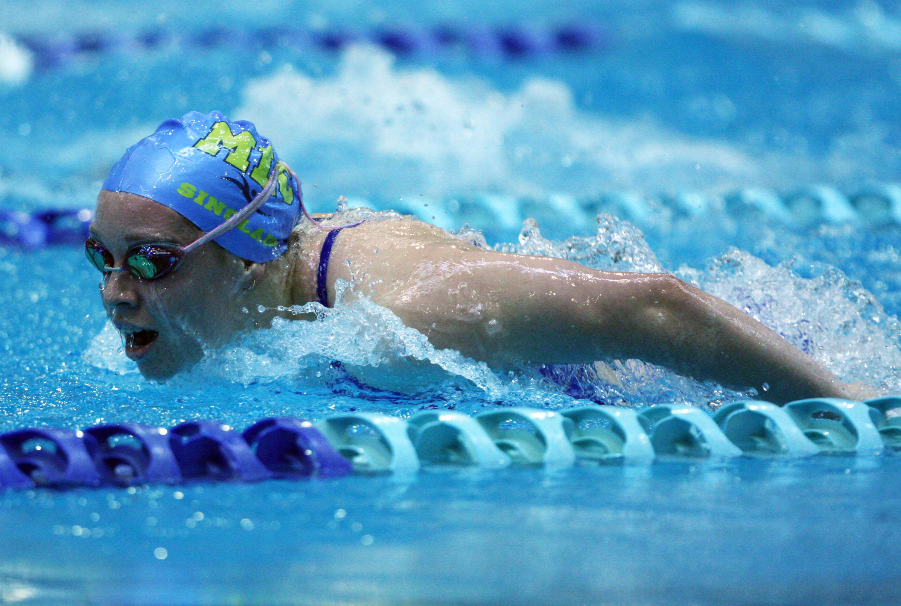 File Sinclair Swimming...