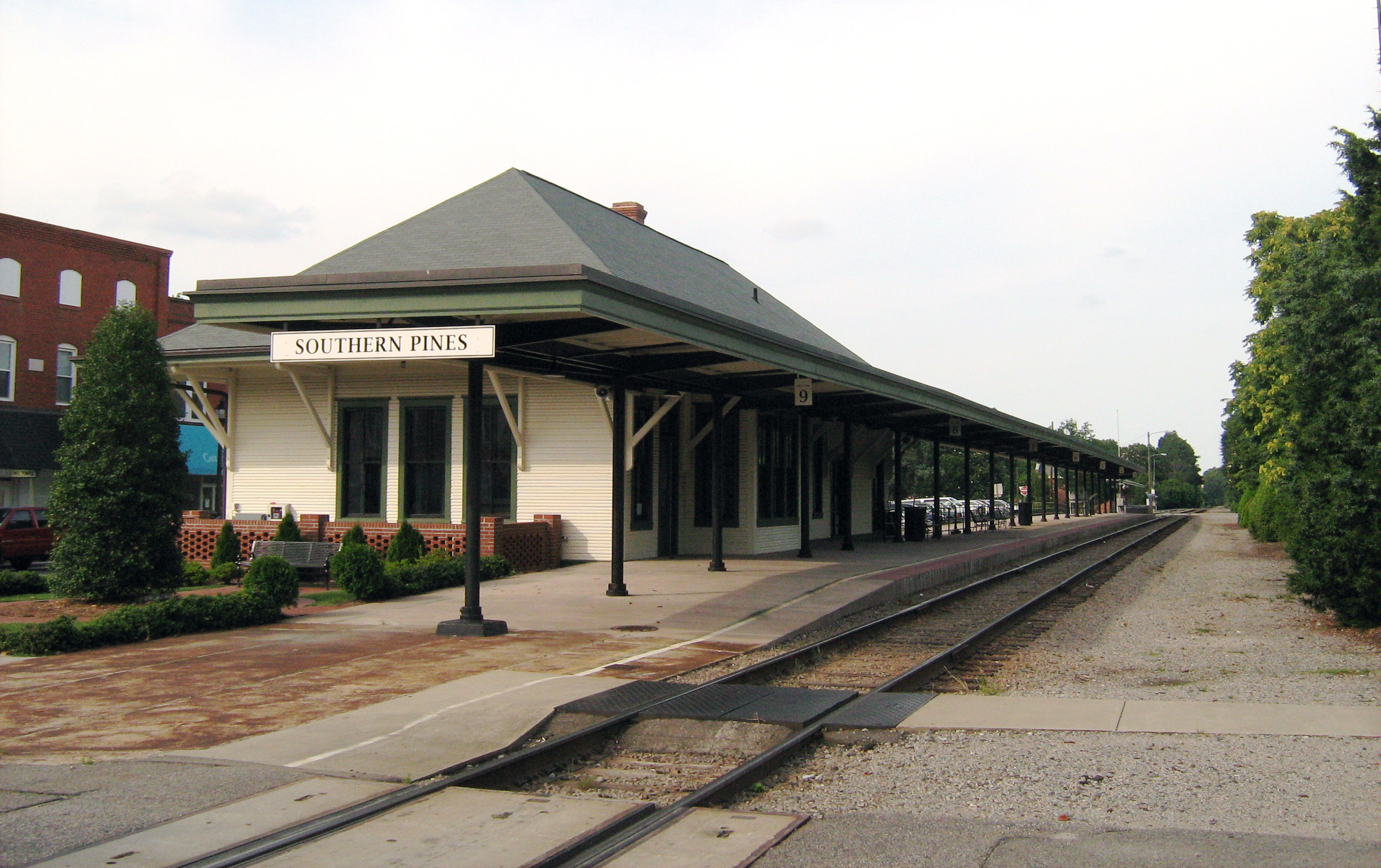 File:Southern Pines NC train station E.jpg - Wikimedia Commons