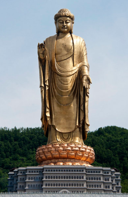 Spring Temple Buddha, the tallest statue in the world By Zgpdszz (Own work) [CC-BY-SA-3.0 (http://creativecommons.org/licenses/by-sa/3.0)], via Wikimedia Commons