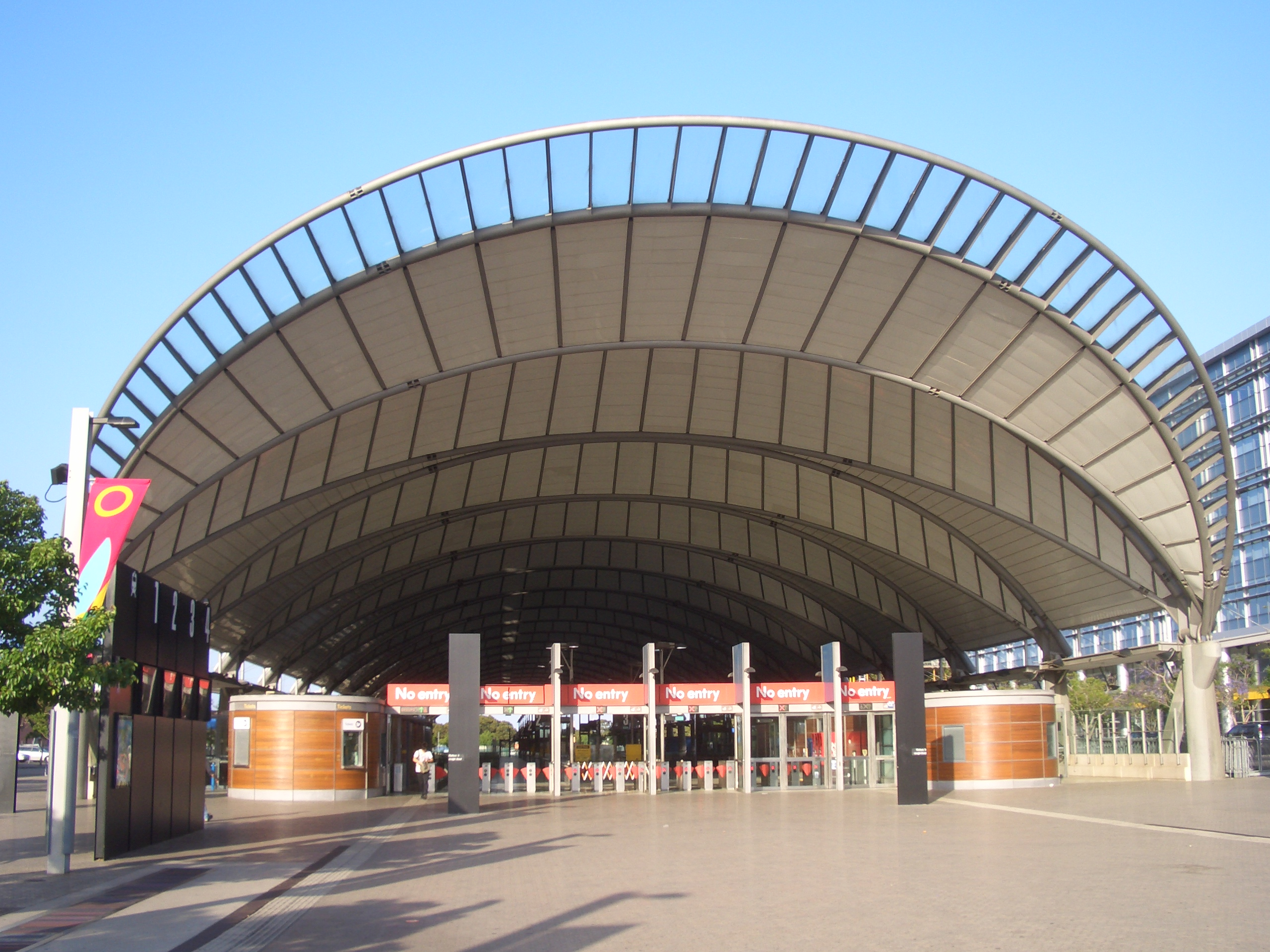 FileSydney Olympic Park Railway Station 1JPG
