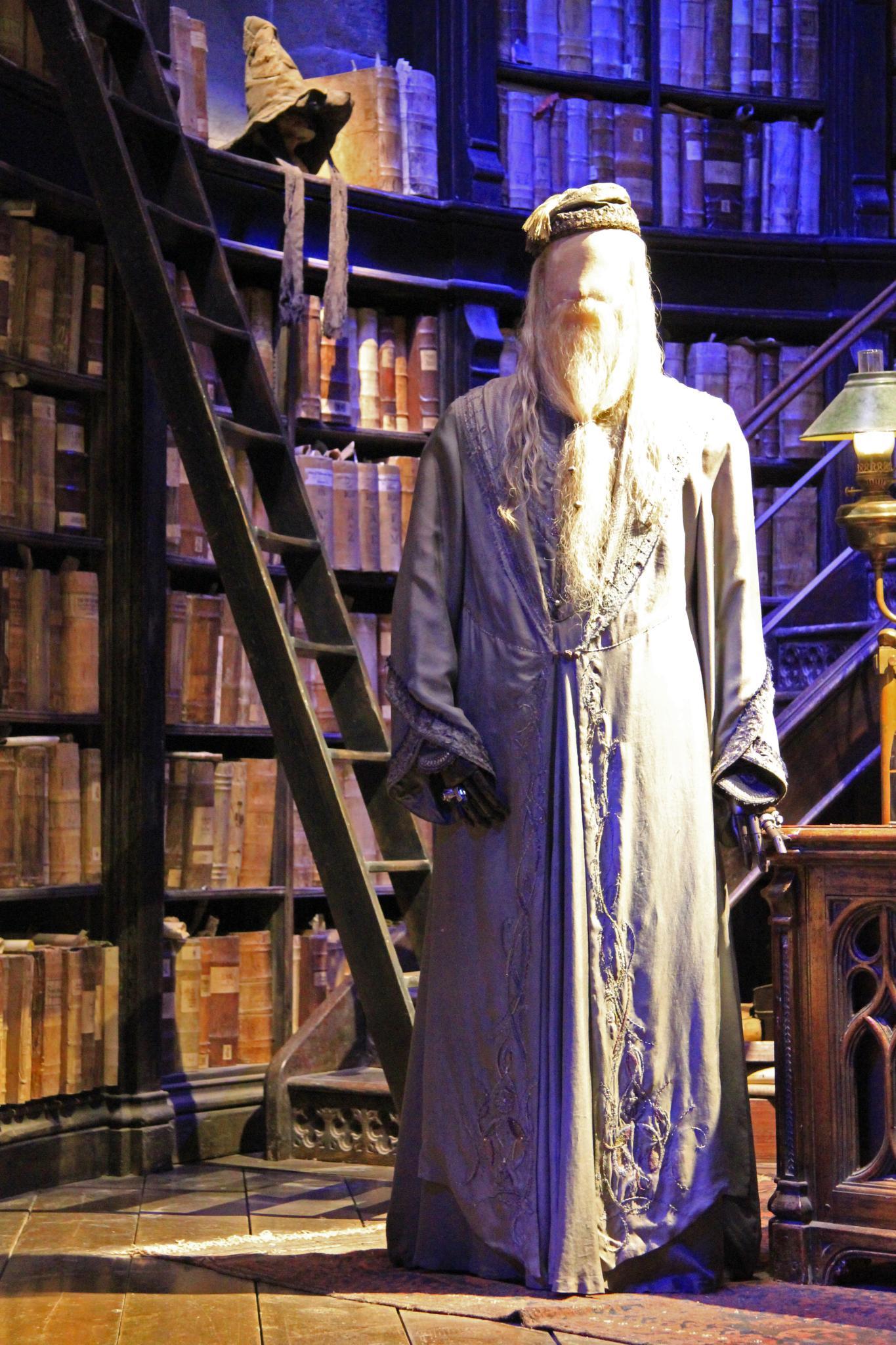 albus dumbledore wikip dia. Black Bedroom Furniture Sets. Home Design Ideas