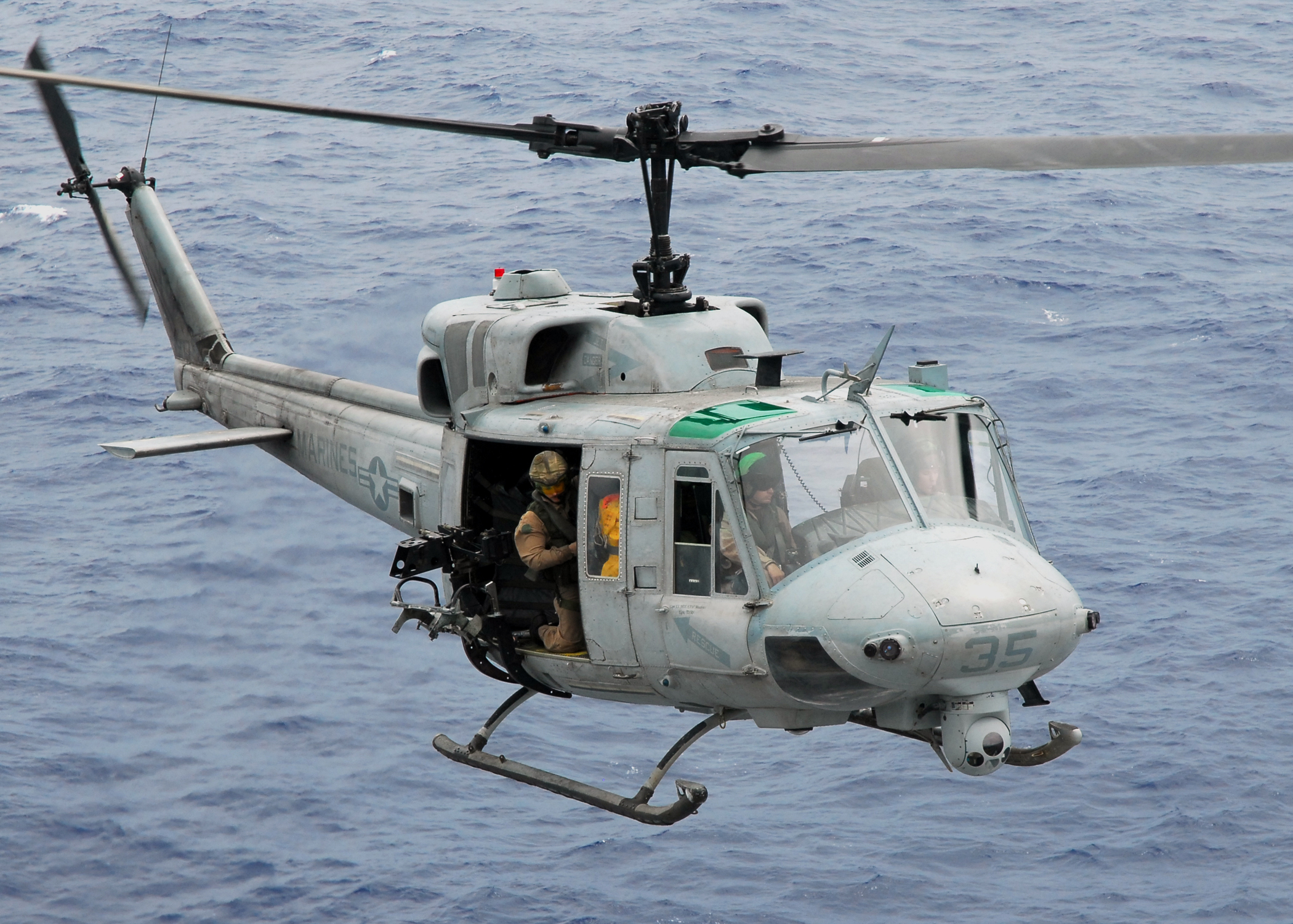 File:US Navy 081017-N-2183K-014 A UH-1N Twin Huey ...