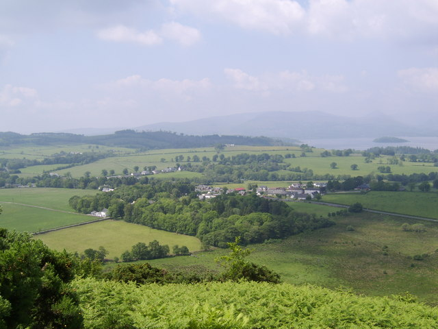 View to Gartocharn from summit of Duncryne - geograph.org.uk - 541409