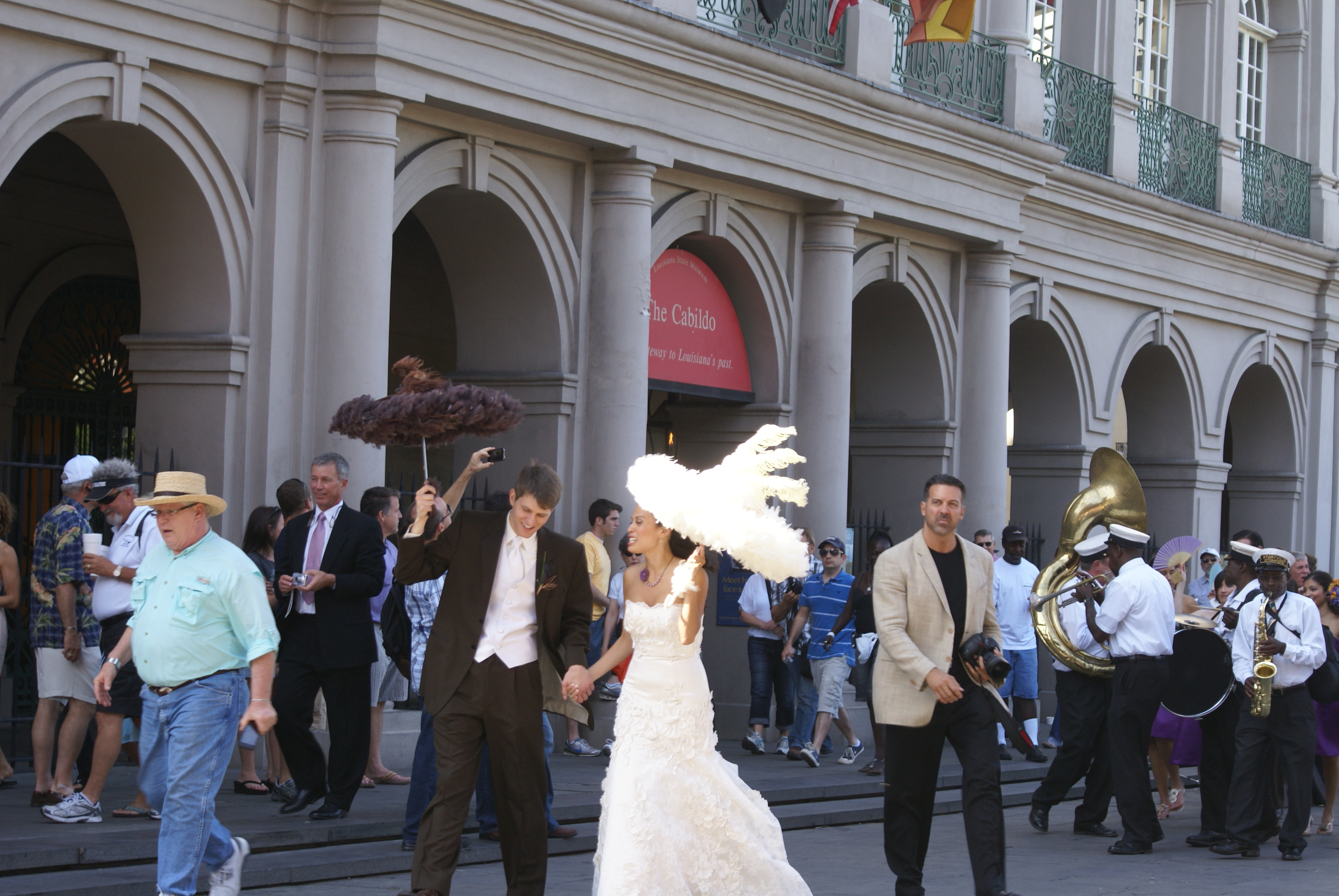 File Wedding Second Line In Front Of The Cabildo New Orleans Jpg