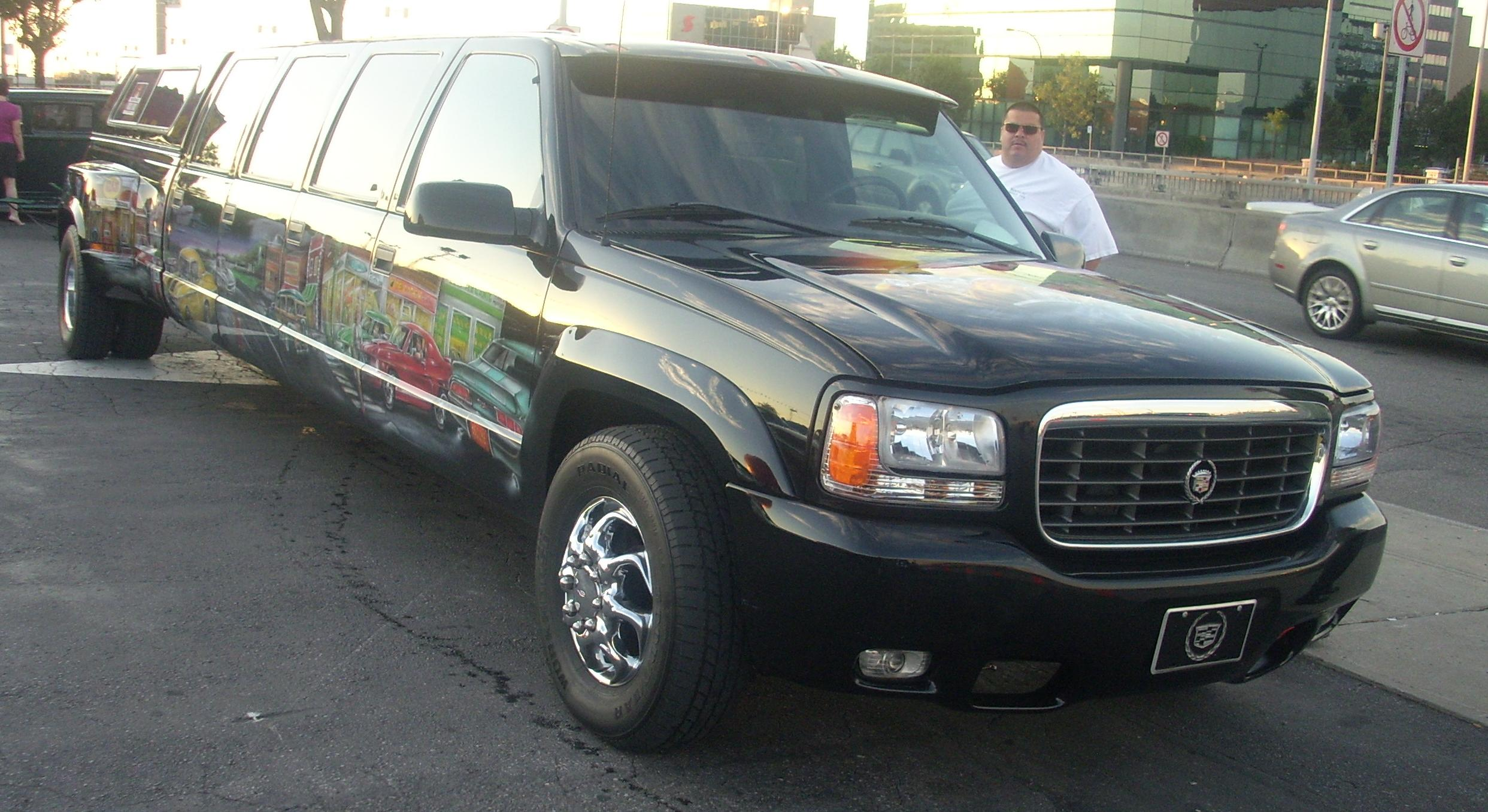 File:'99-'00 Cadillac Escalade Limousine (Orange Julep).JPG ...