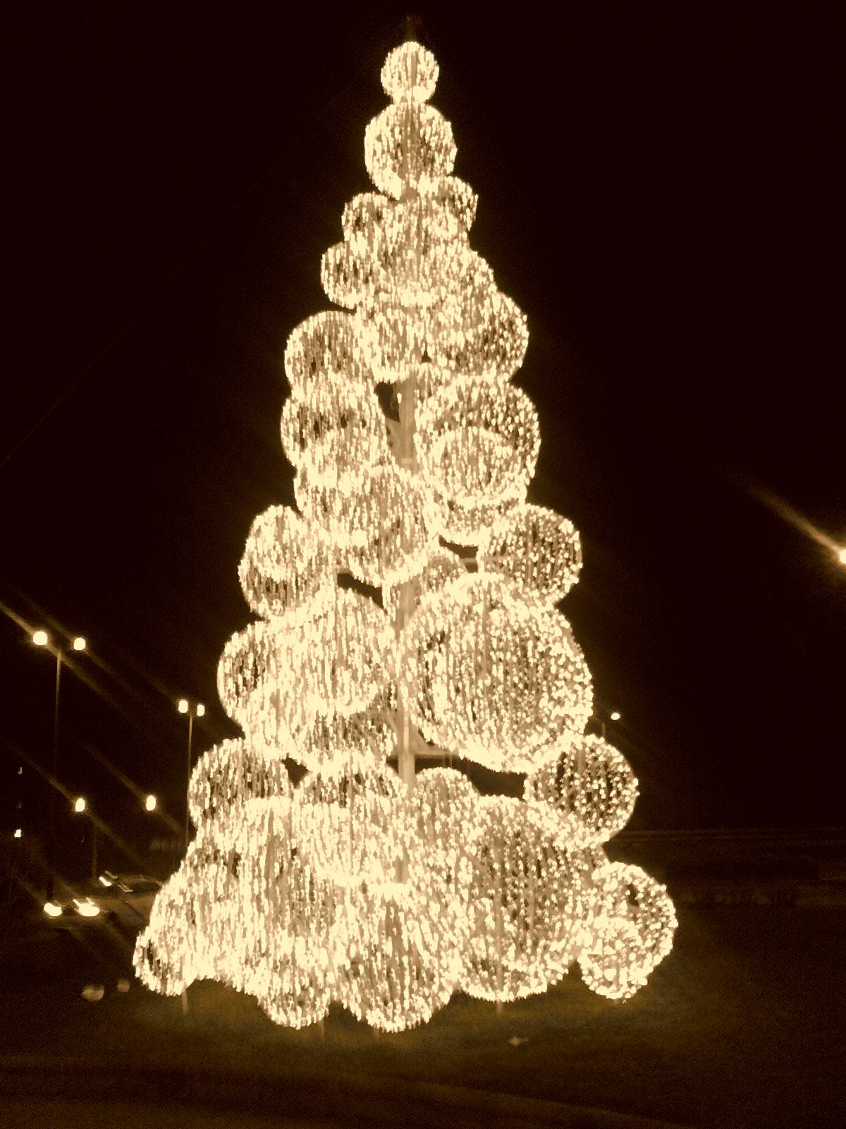 filerbol de navidad frente al teatro prez galds en las palmas de gran canaria