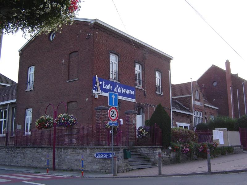 Une école à Oisquercq