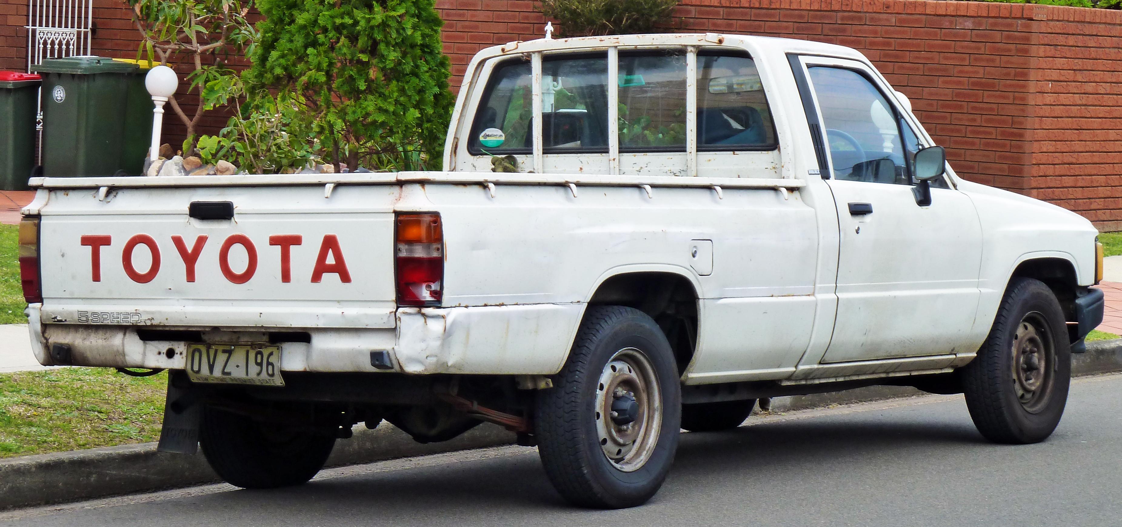 File 1983 1988 Toyota Hilux Yn58r 2 Door Utility 02 Jpg