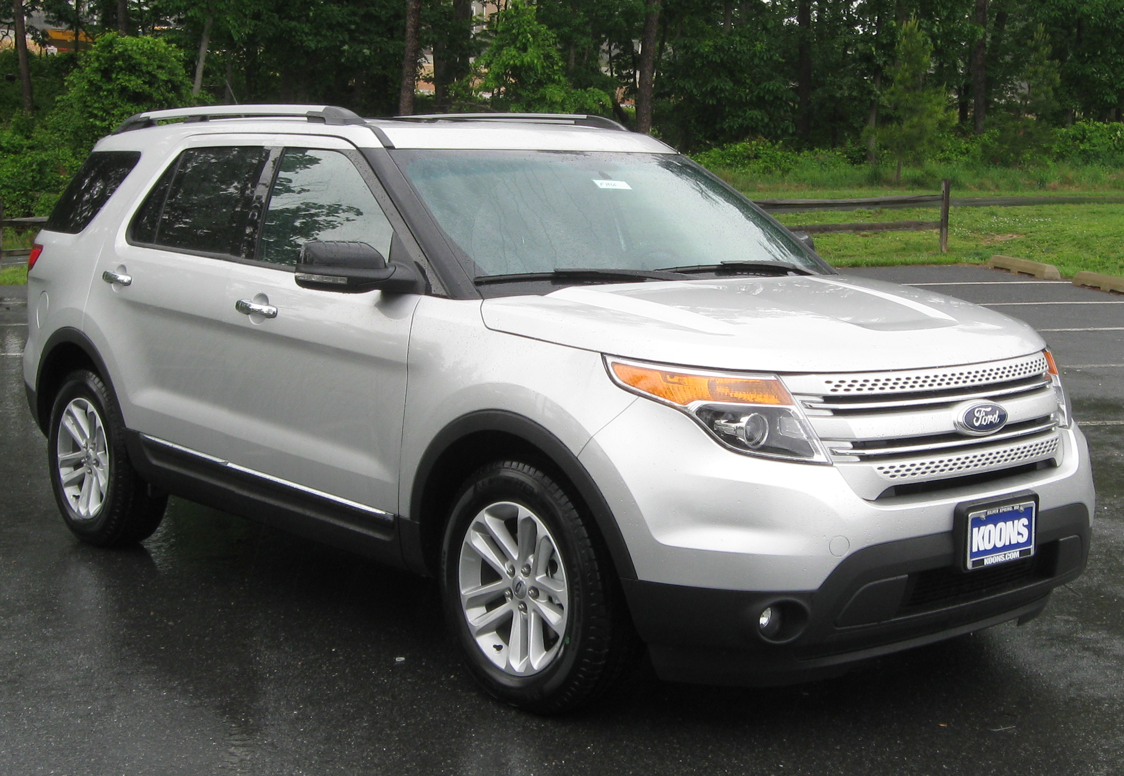 Description 2011 Ford Explorer XLT -- 05-18-2011.jpg