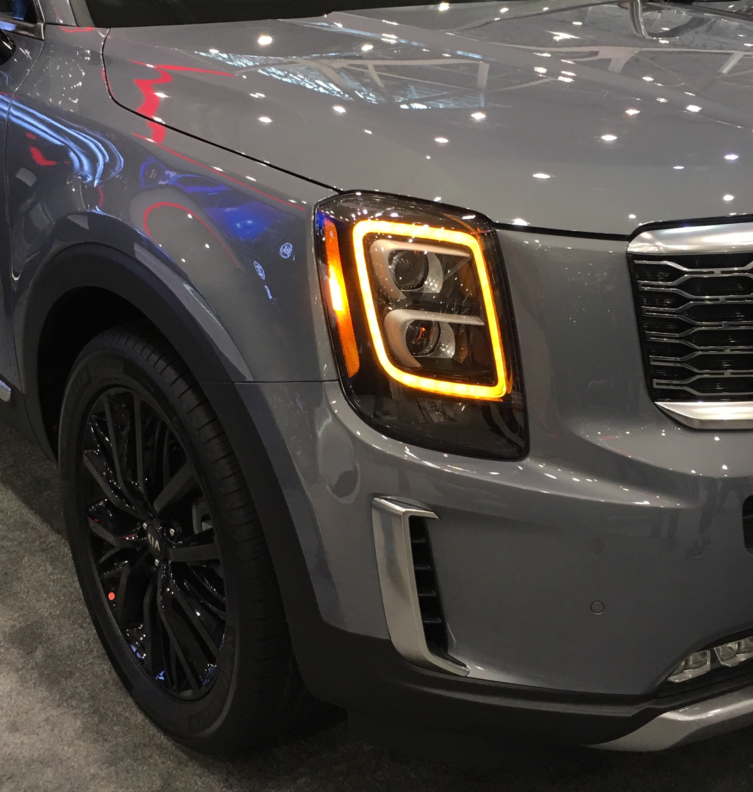 2020 Kia Telluride: File:2020 Kia Telluride, Cleveland Auto Show.jpg