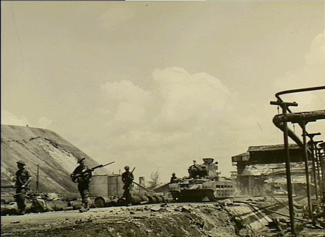 AWM 110910 2-10th Battalion Balikpapan July 1945