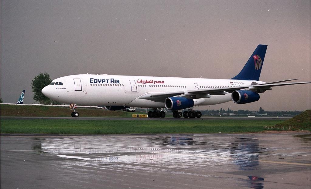 File Airbus A340 212 Egyptair An0079500 Jpg Wikimedia