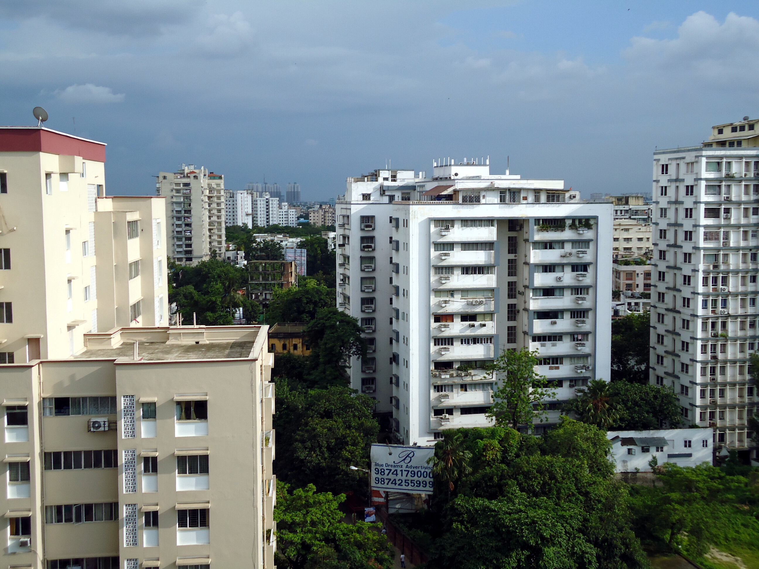 Skyline of Ballygunge, a South Kolkata locality consisting of low-rise and mid-rise buildings