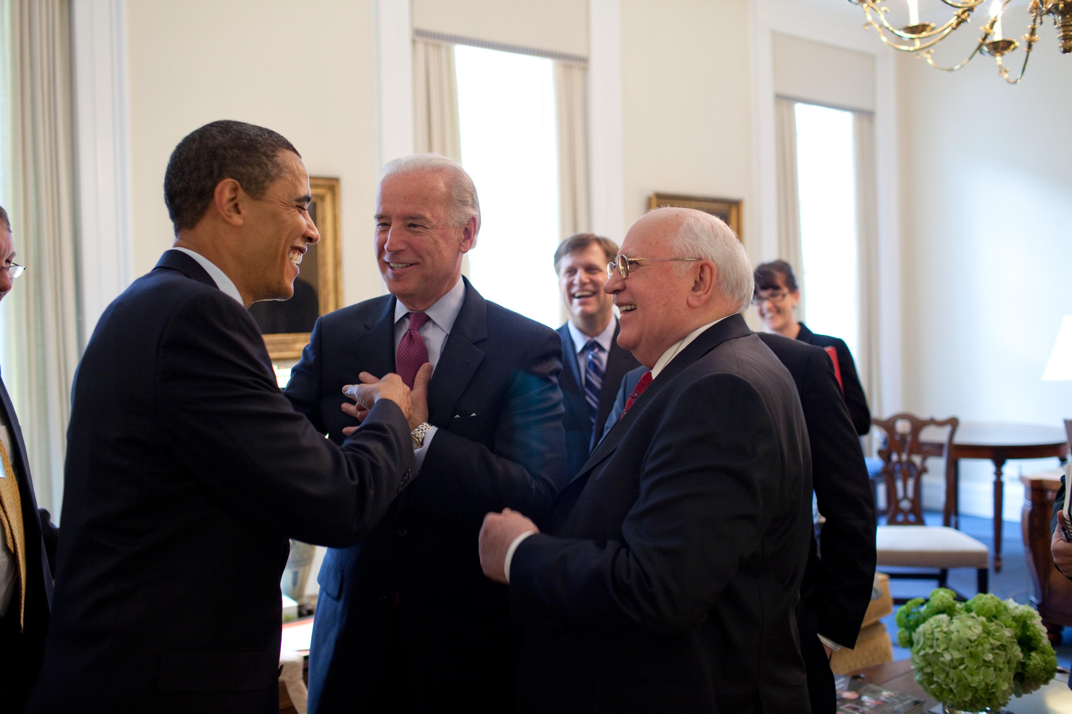 Popstars des Westens: Obama und Gorbatschow mit Joe Biden, 20. März 2009 (Bild: The Official White House Photostream / Pete Souza)