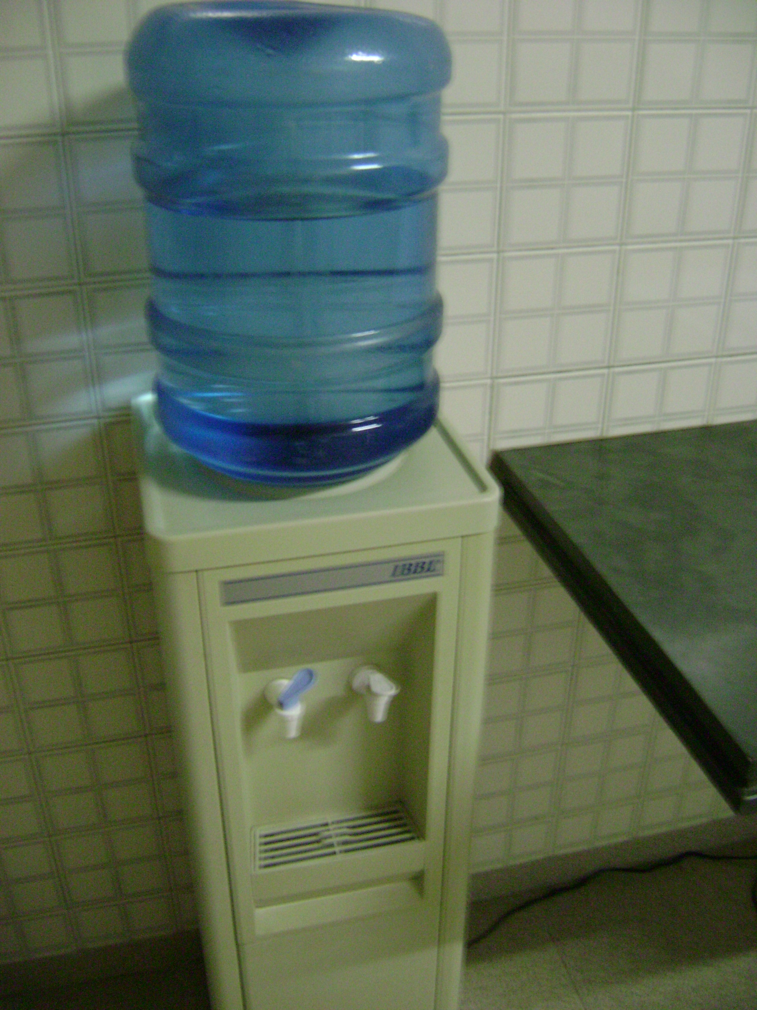 How Many Liters Can A Kitchen Sink Hold