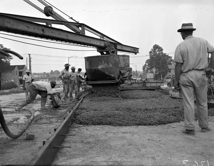 'Belvidere Street construction, pouring concrete', Library of Virginia