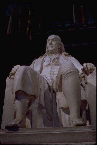 Памятник Бенджамину Франклину в Филадельфии.