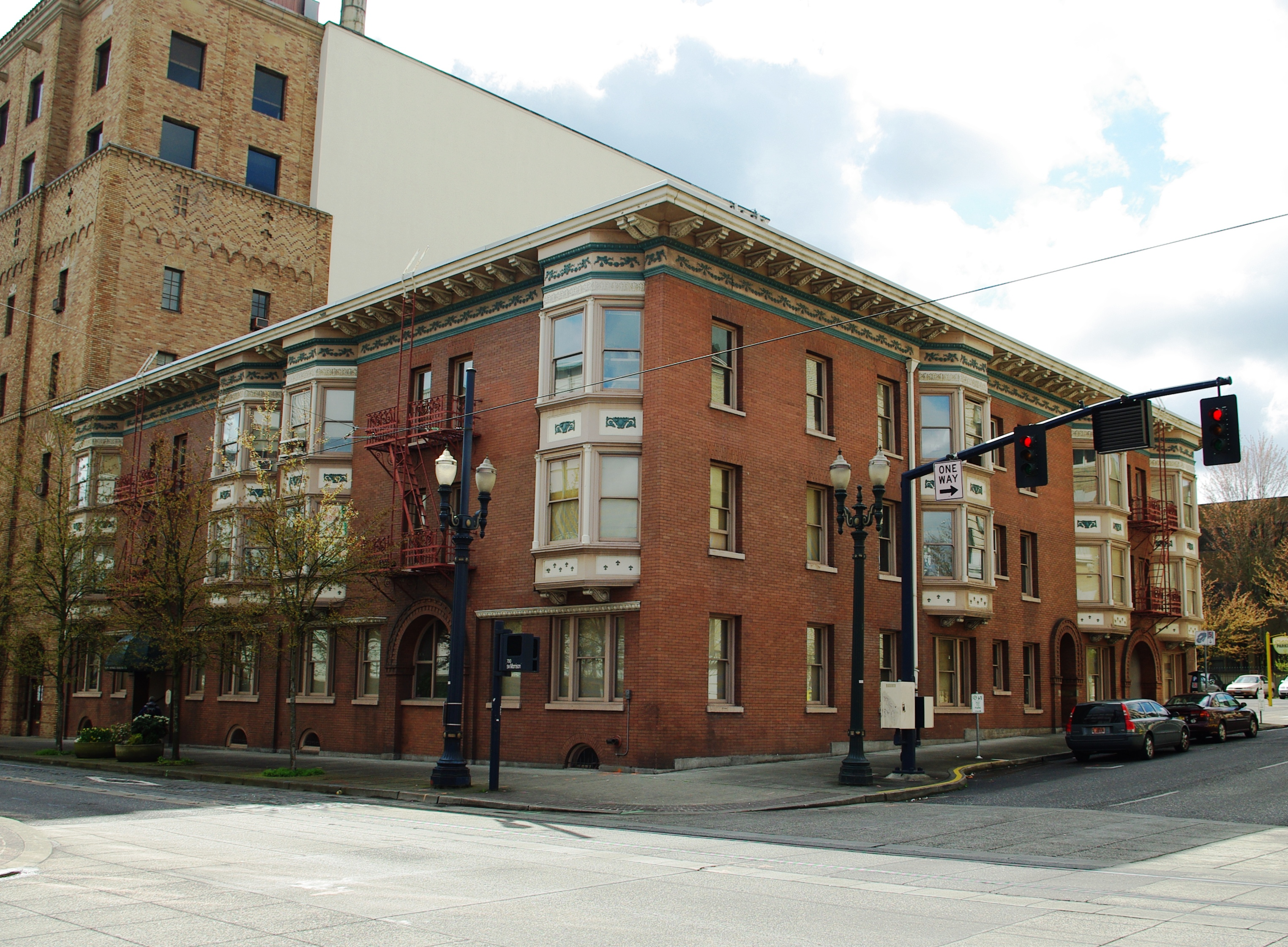 file:bronaugh apartments - portland, oregon - wikimedia commons
