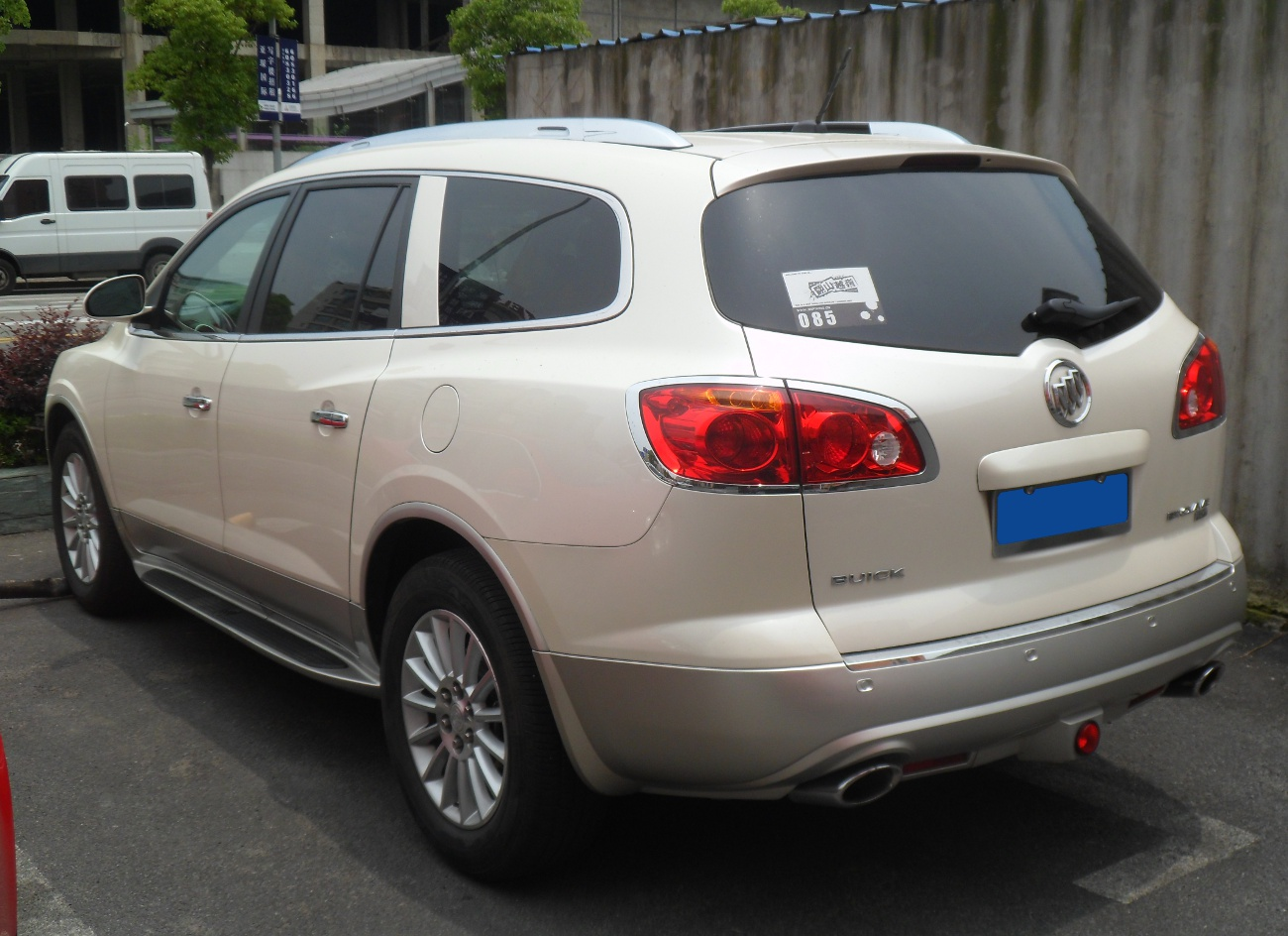 FileBuick Enclave 02 China 20120616JPG  Wikimedia Commons