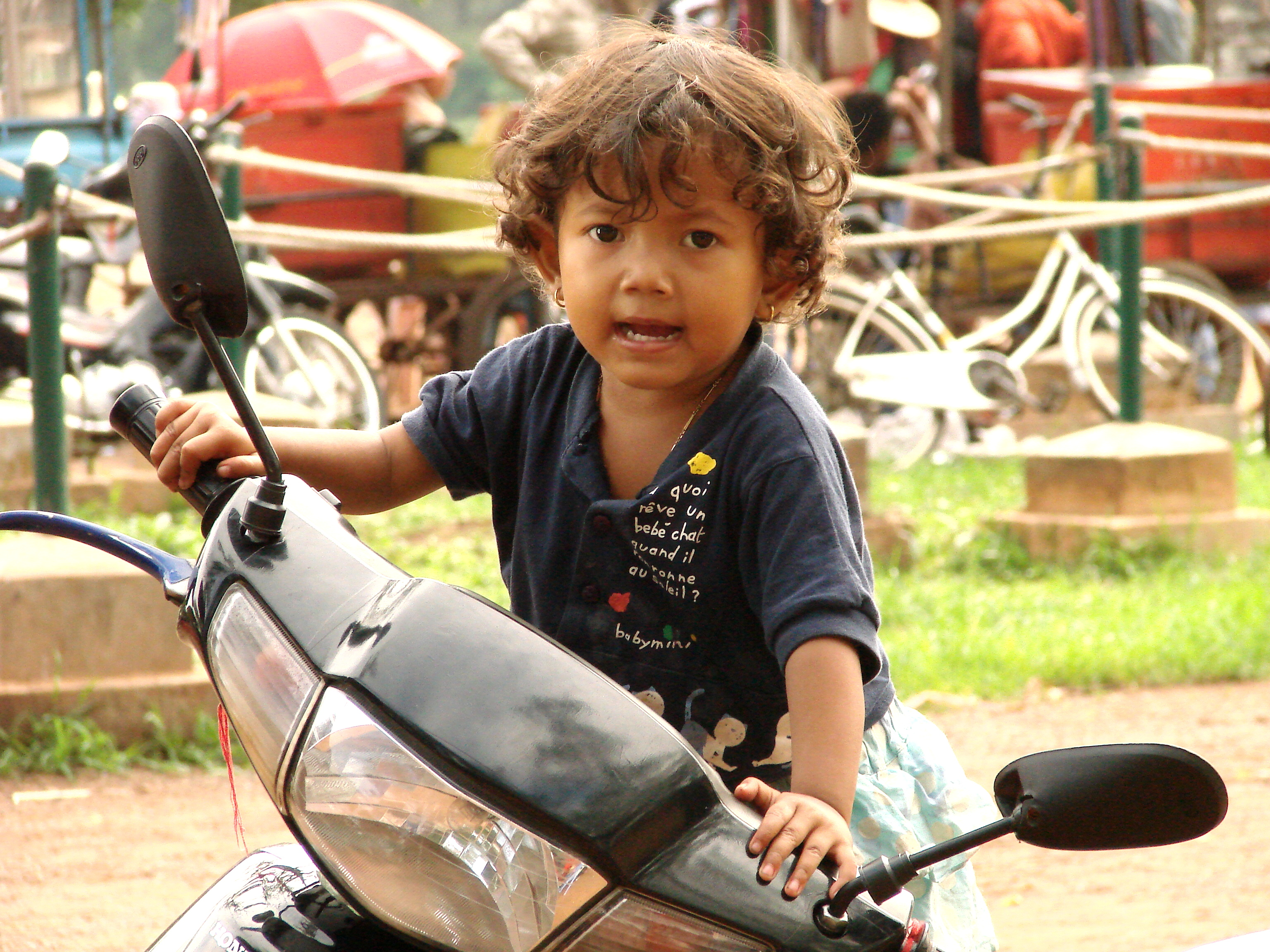 Cambodia child File:Cambodian Child - Angkor.JPG