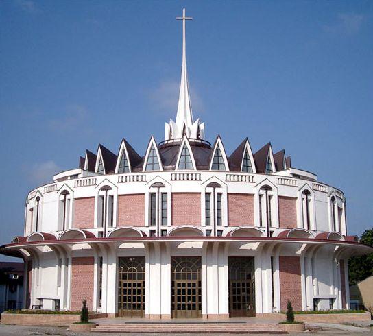 Catedrala catolica din iasi.jpg