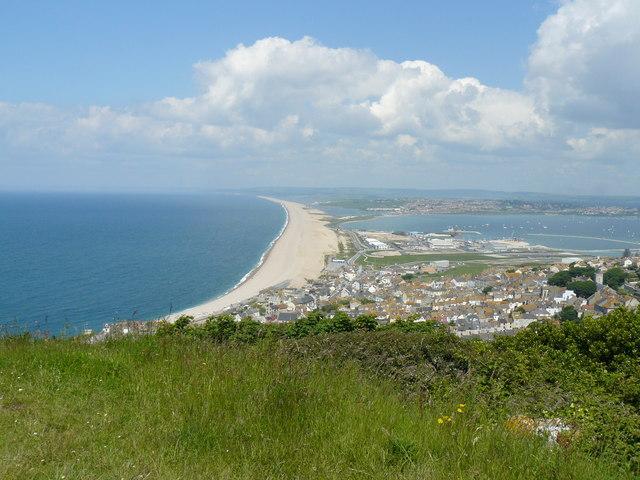 File:Chesil beach - geograph.org.uk - 911979.jpg