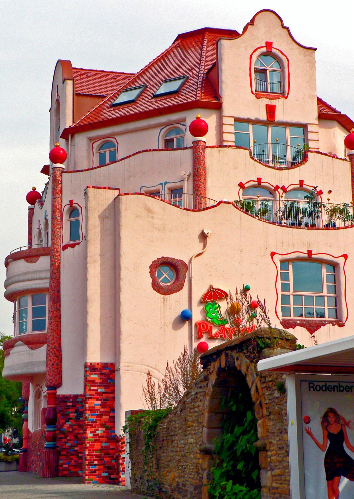 In House Dortmund file dortmund aplerbeck haus im stil hundertwasser 7992548785