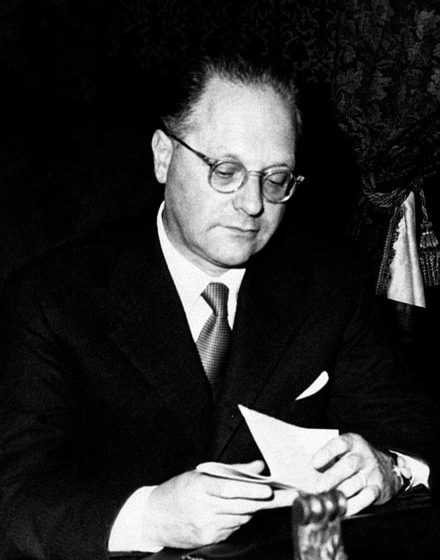 Edoardo Amaldi in 1960