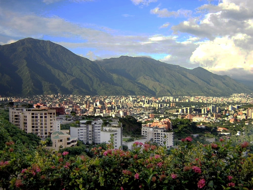 https://upload.wikimedia.org/wikipedia/commons/8/83/Este_de_Caracas.JPG
