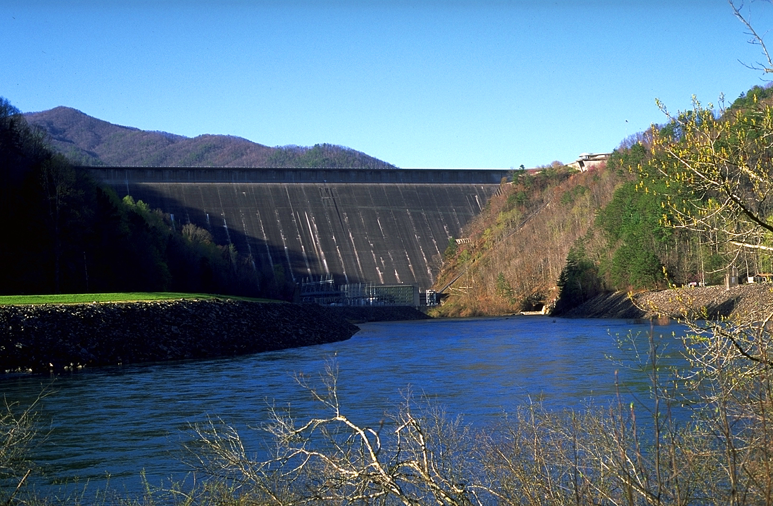 100% free online dating in fontana dam Fontana dam, nc named after the massive lake and dam located in the western part of the state and within the smoky mountain national park.