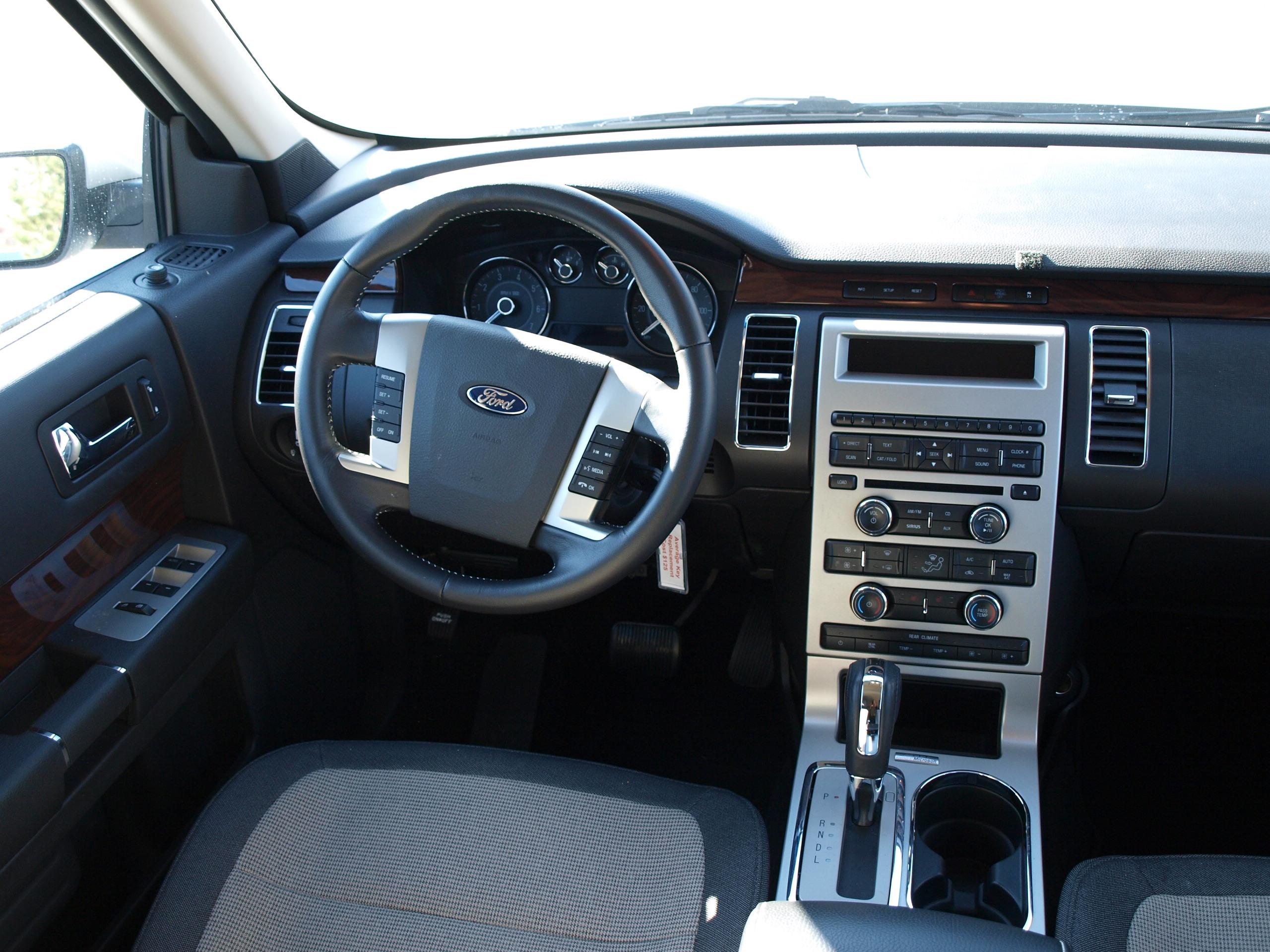 Ford Flex 03.jpg