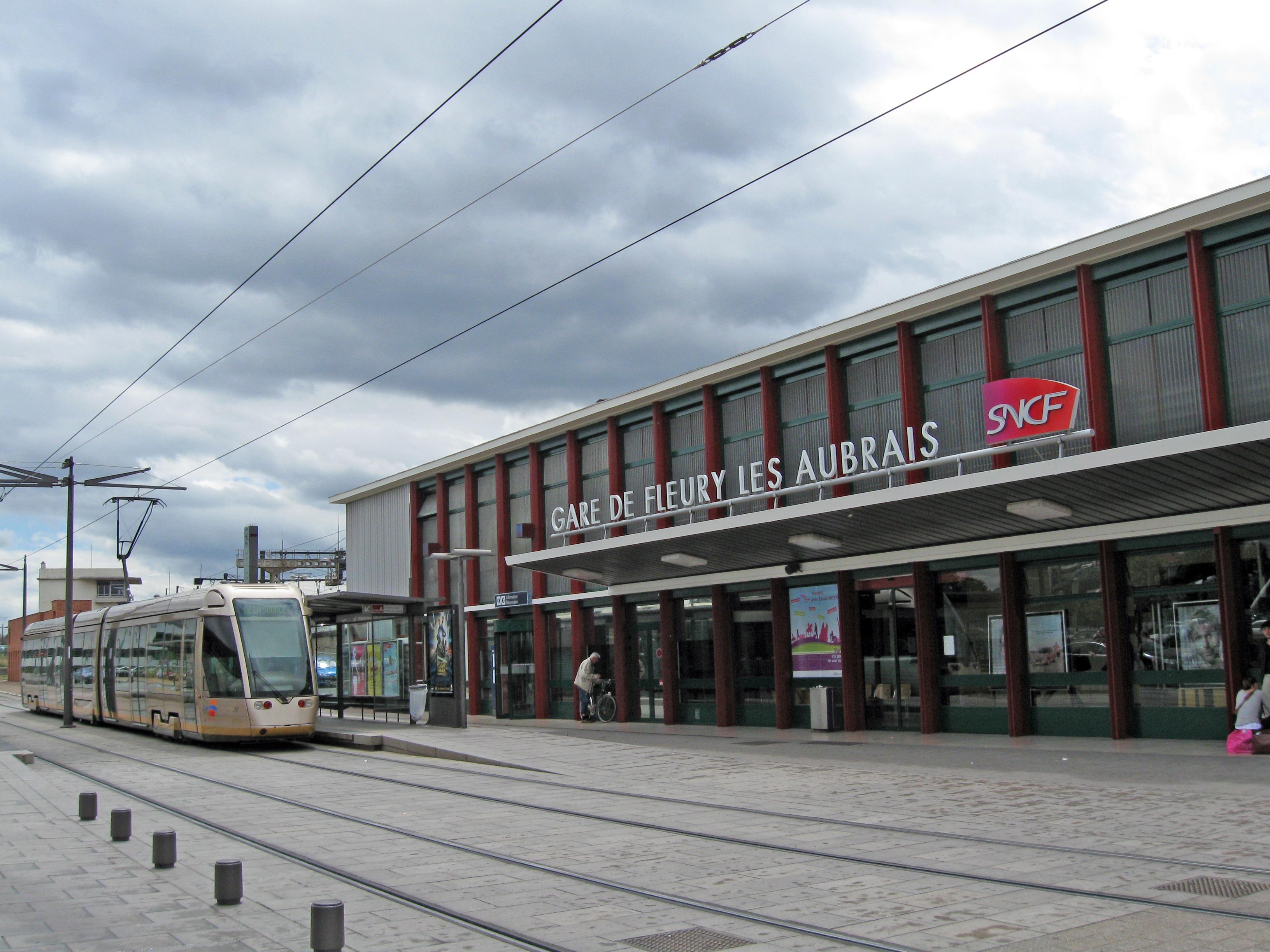 File gare fleury les aubrais wikimedia commons - Hormann st pierre des corps ...
