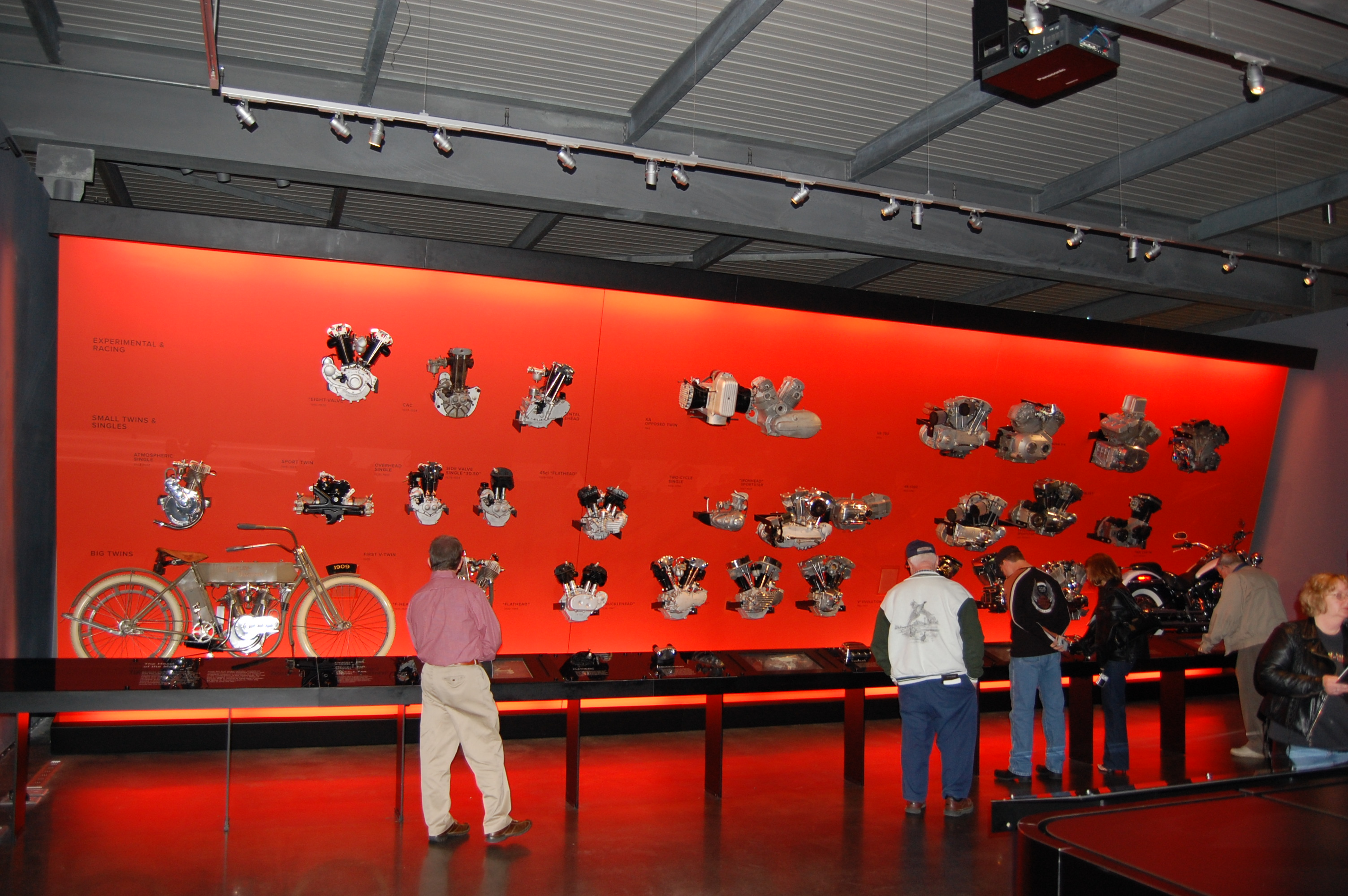 file harley davidson museum motor evolution jpg