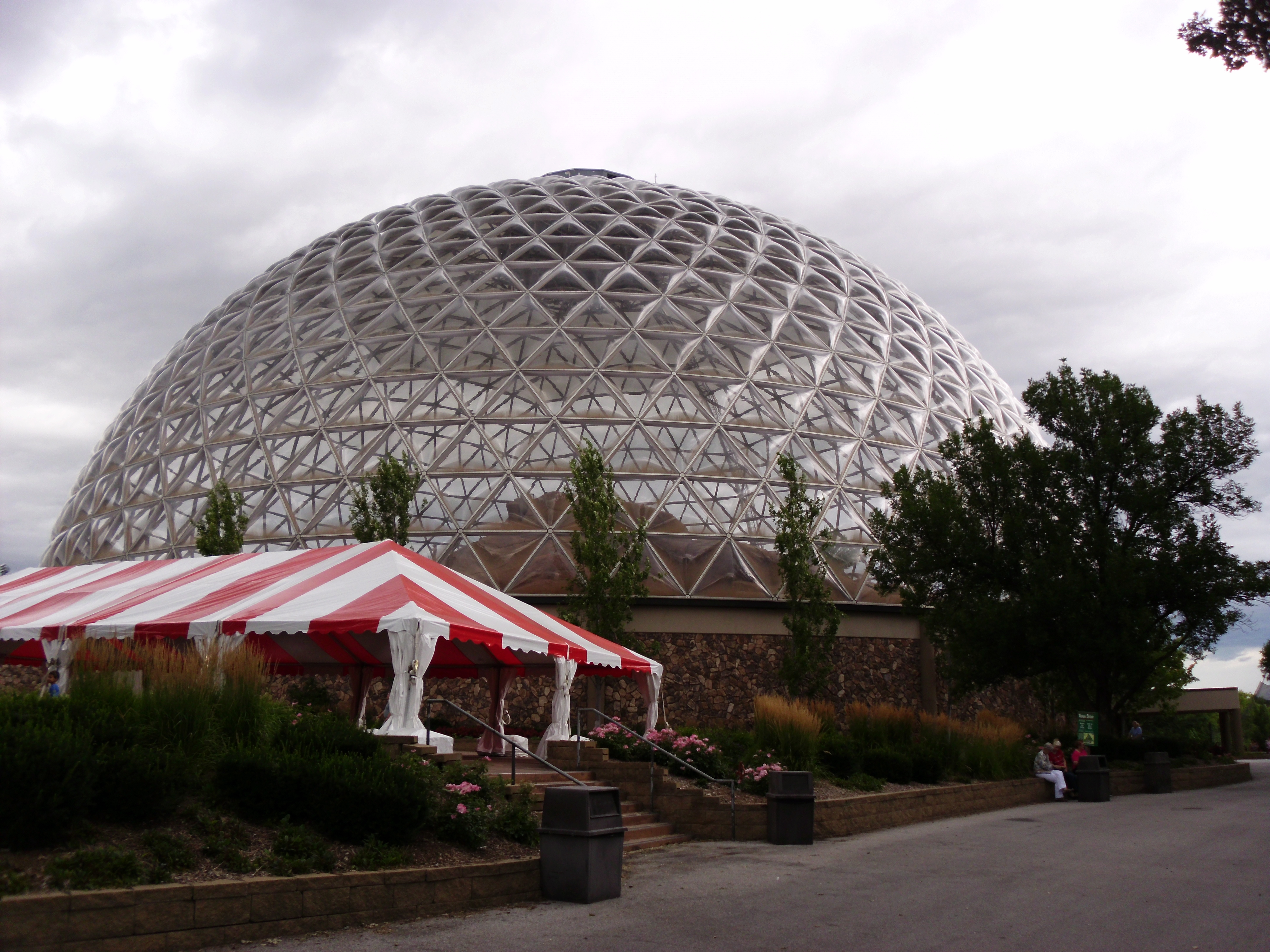 14 Great Reasons for Nebraskans to be Proud of Their State Henry Doorly Zoo
