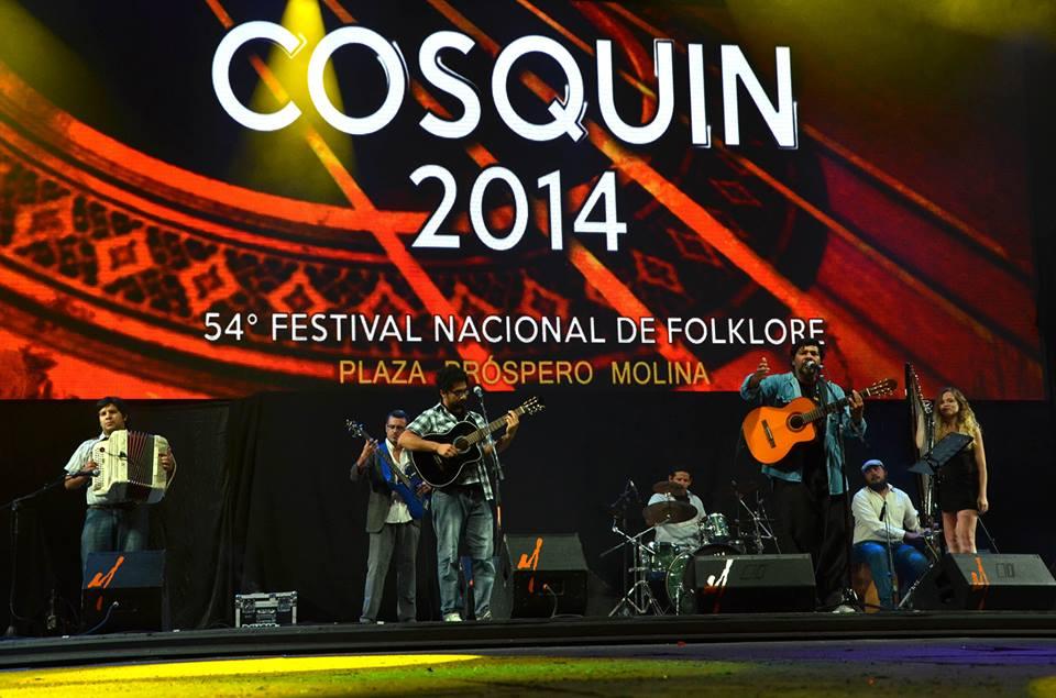 Joselo Schuap en el escenario mayor del Festival de Cosquín edición 2014.