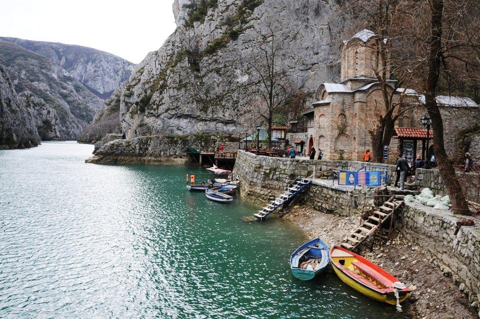 Λίμνη Matka Αγίου Ανδρέα Church.jpg