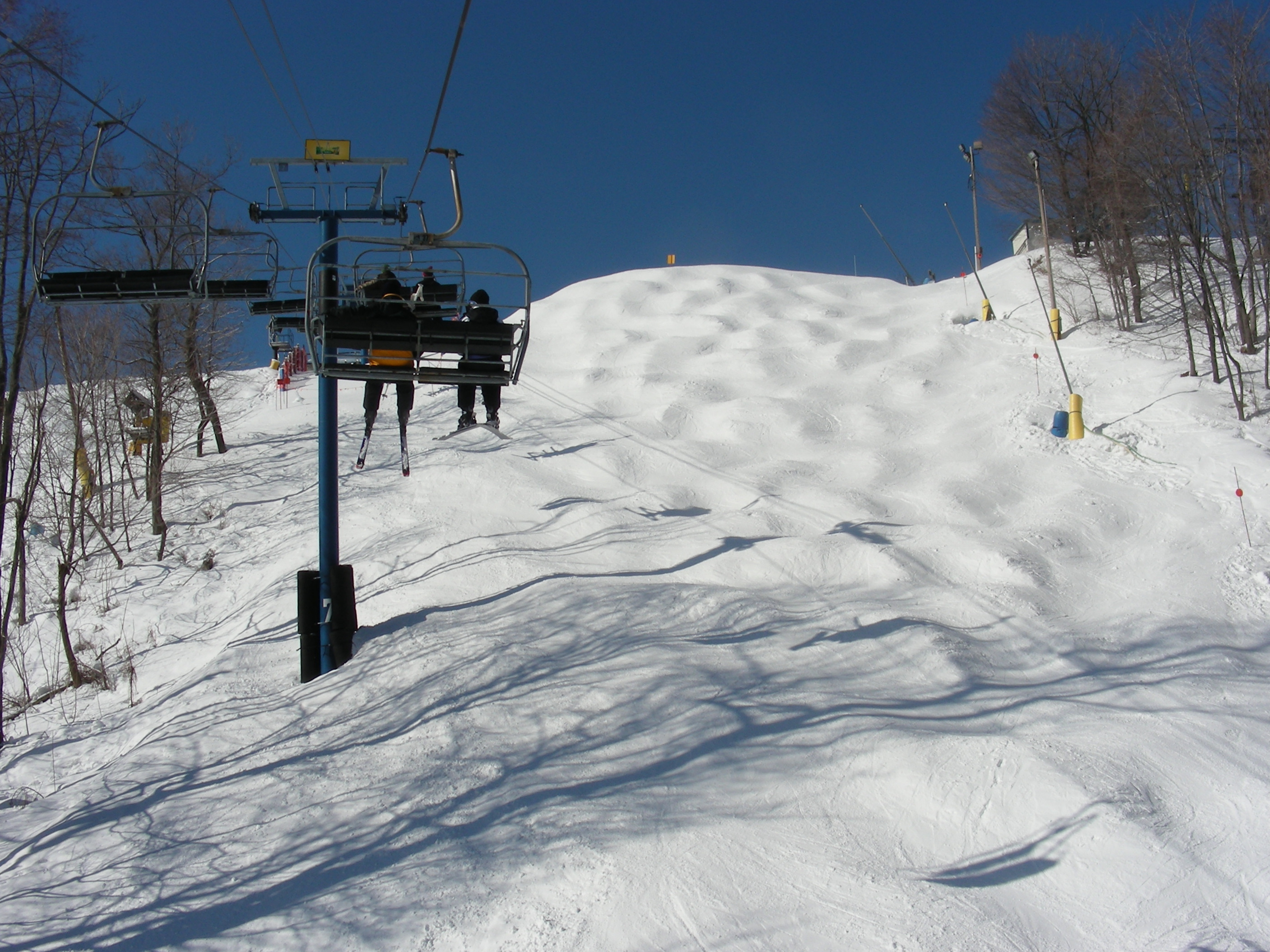 file:liberty mountain resort upper eastwind - wikimedia commons