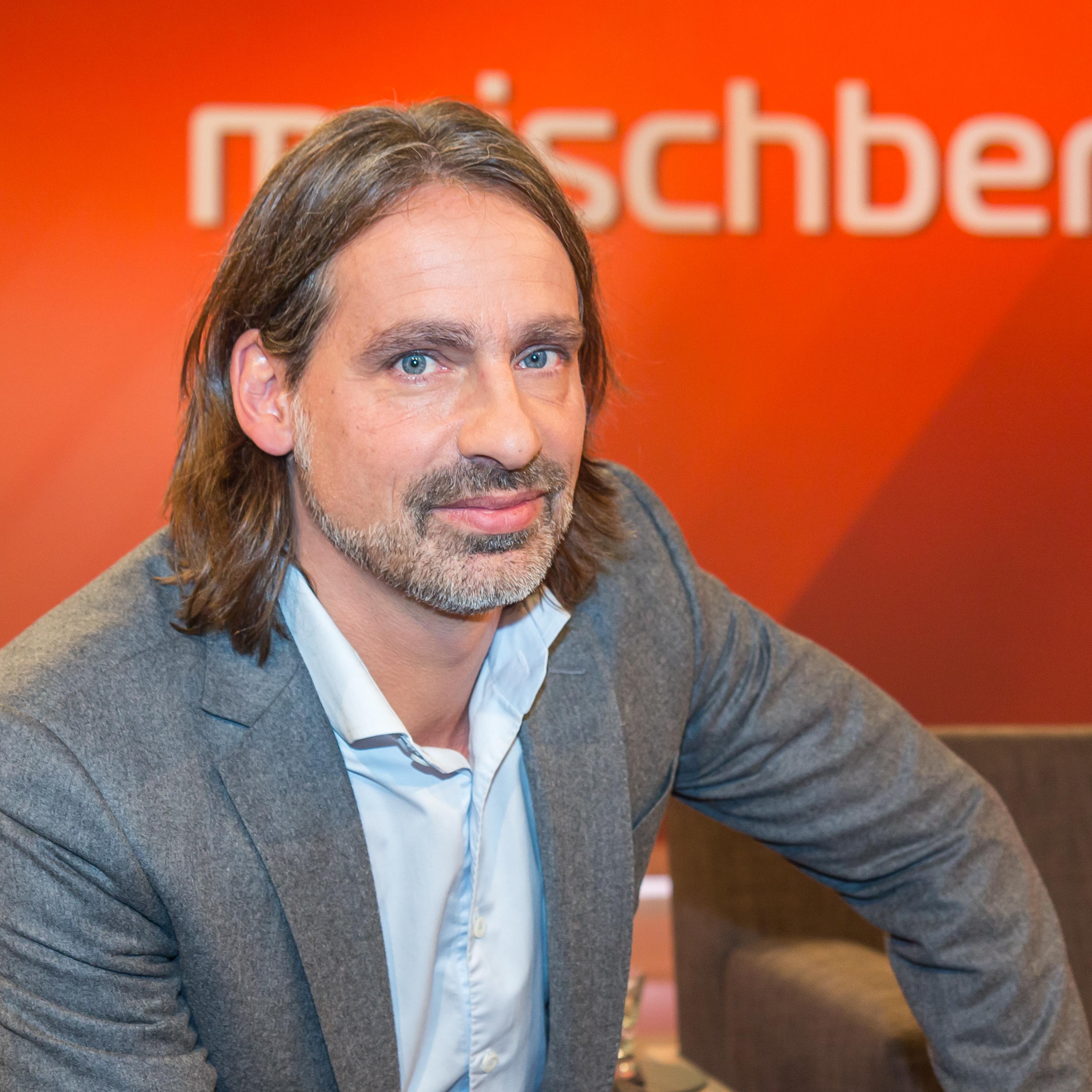 Precht in 2016 at the talk show [[maischberger]]