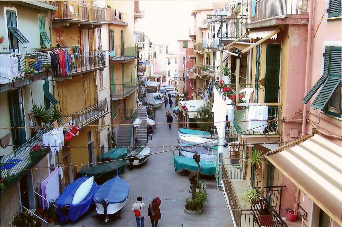 Manarola, Liguria, Italy.jpg