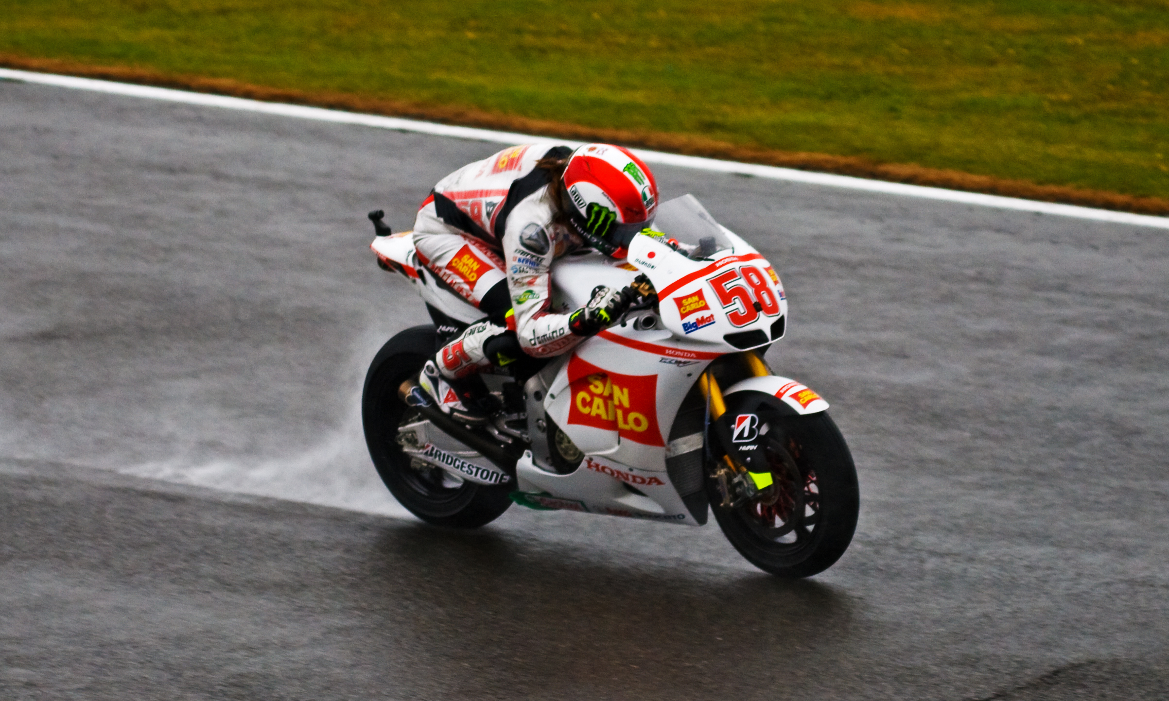 File:Marco Simoncelli 2011.jpg - Wikimedia Commons